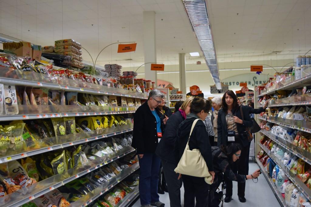 DSC_0013 IACP H-Mart Tour